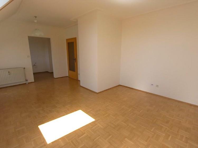 Objektfoto: 2-Zimmer-Wohnung mit Loggia in zentraler, dennoch ruhiger Lage in Feldbach