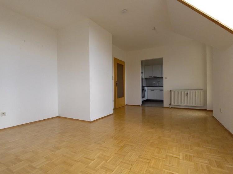 Objektfoto: Gepflegte 2-Zimmer-Wohnung mit Balkon in zentraler, dennoch ruhiger Lage in Feldbach