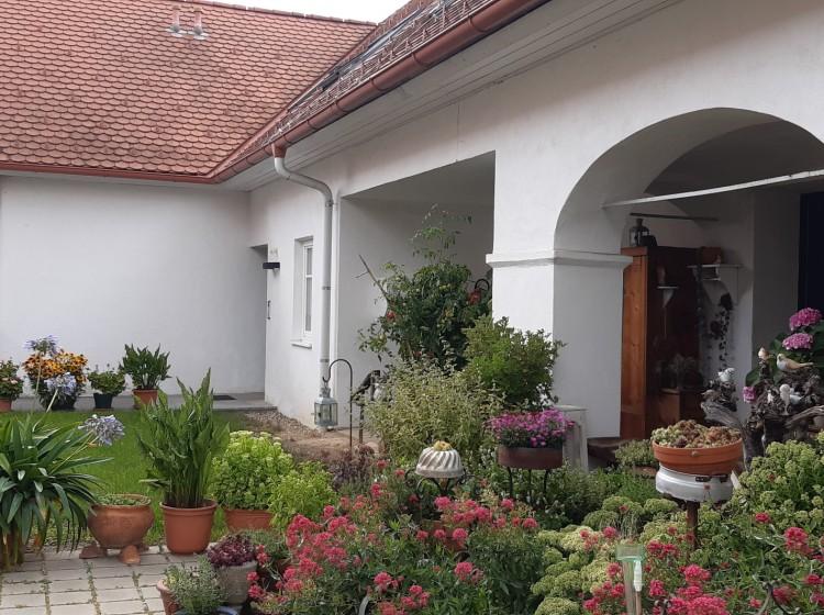 Objektfoto: Wer das BESONDERE liebt, ist hier richtig - wohnen im ehemaligen Bauernhaus!