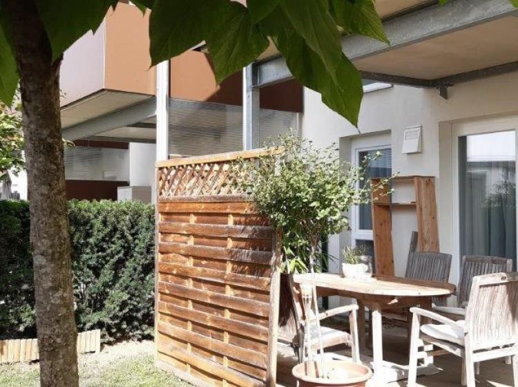 Objektfoto: Anleger oder Eigennutzung - wunderschöne EG-Wohnung mit ca. 160 m² herrlichen Garten - 2 Carportplätze inklusive!