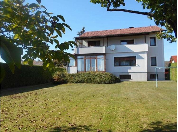 Objektfoto: Zentrumsnahes Einfamilienhaus mit 2 Wohneinheiten, Wintergarten und Garten