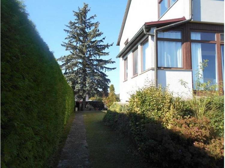 Objektbild: Zentrumsnahes Einfamilienhaus mit 2 Wohneinheiten, Wintergarten und Garten