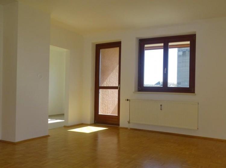 Objektbild: Sonnige 2-Zimmer-Wohnung mit Balkon in schöner Stadtrandlage